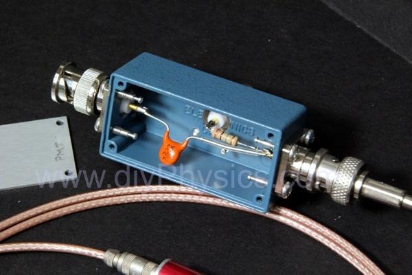 diy Signal/High-Voltage Splitter for Scintillation Probe with Single Connector David Prutchi www.diyphysics.com