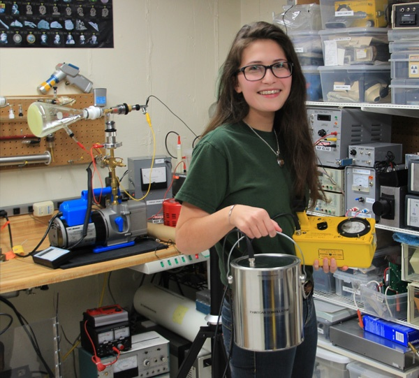 Shanni Prutchi Paint Can Scintillator PMT www.diyphysics.com