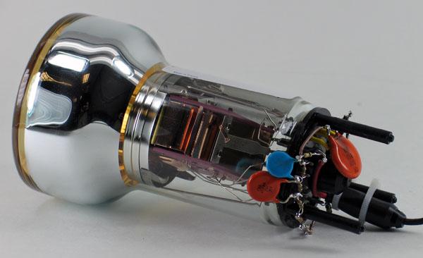 Dynode voltage divider for XP3312 PMT www.diyPhysics.com David Prutchi PhD